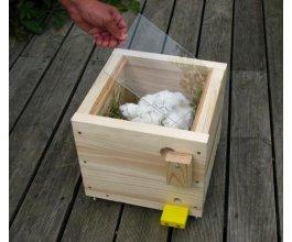 Přídavné okénko k velkému dřevěnému čmelínu 2015 -  2021