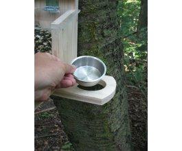 Přídavné pítko ke krmítku pro veverky