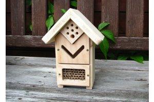 Hmyzí domek - pro včelky samotářky a další užitečný hmyz