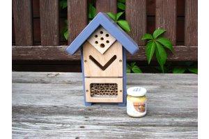 Hmyzí domek pro včelky samotářky a další užitečný hmyz - s barvou