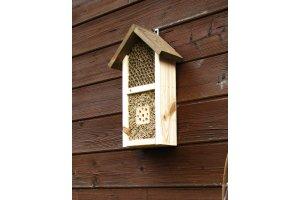 Hmyzí hotel - pro včelky samotářky a další užitečný hmyz