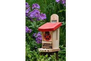 Domek pro berušky a včelky samotářky